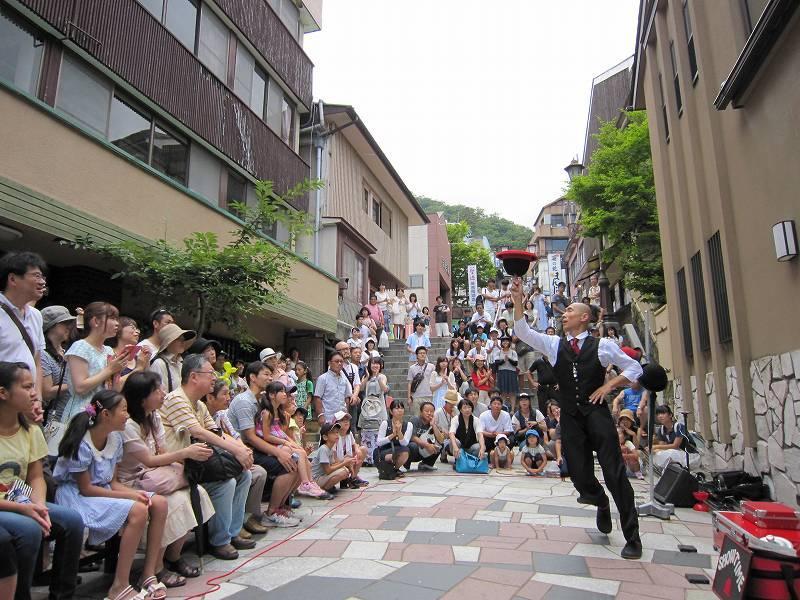 『石段街で大道芸!』 今年も開催! 8月6日~21日