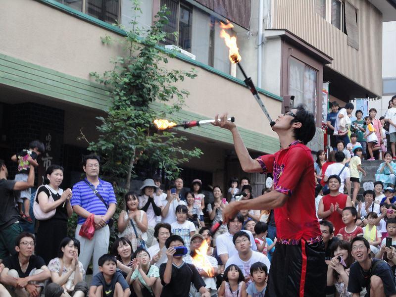 『石段街で大道芸!』 今年も開催!8月9日~22日